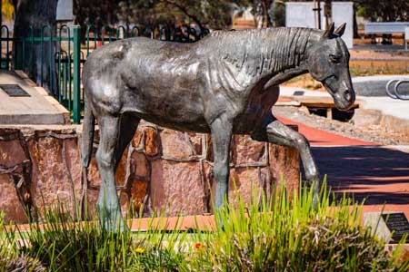 attractions norseman horse statue