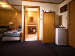 images/small-family-room-gallery/6-small-family-room-norseman-great-western-motel.jpg